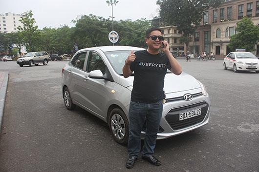 nghệ sĩ chí trung đi taxi uberx